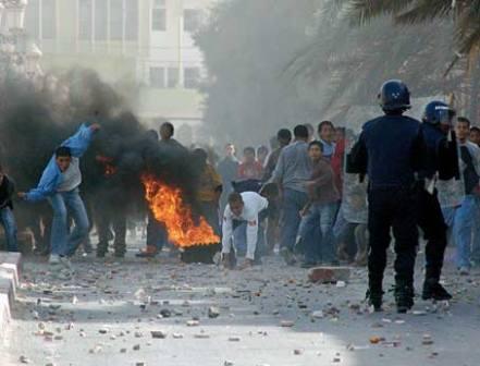algerieemeutesannabadrapeaufrancais.jpg